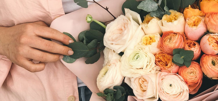 Here's How to Start a Home Based Floral Business